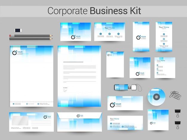 Corporate business kit in witte en luchtblauwe kleuren.