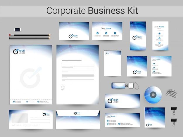 Corporate business kit met blauwe strepen.
