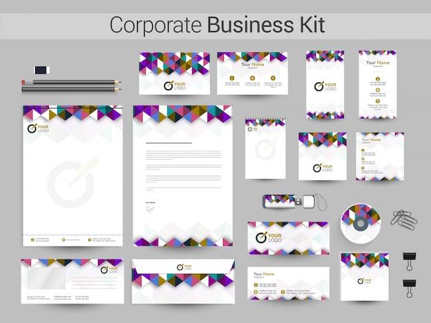 Corporate business kit met kleurrijk abstract ontwerp.