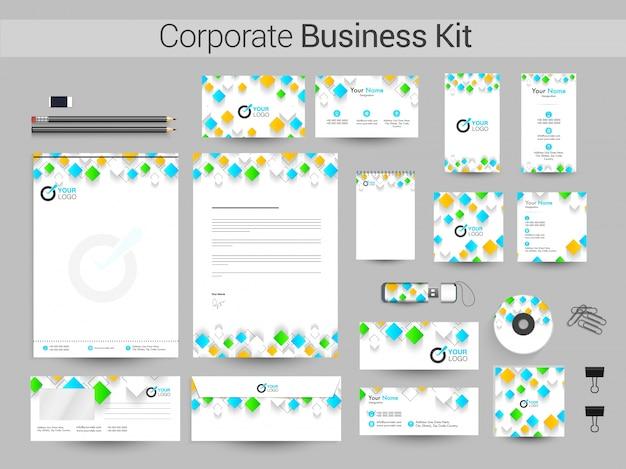 Corporate business kit met kleurrijke vierkanten.