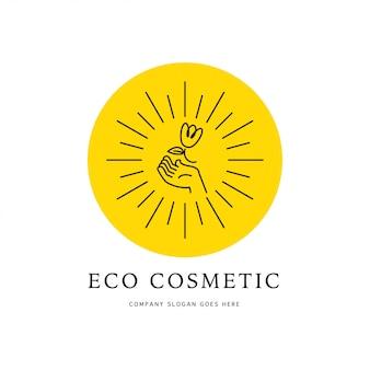 Cosmetisch logo-ontwerp. hand, zon, bloem lineaire lineaire platte contourpictogram geïsoleerd op een witte achtergrond. schoonheidsmerk, gezondheidszorg, insignes van het medicijnbedrijf. natuurlijk eco productlabel.