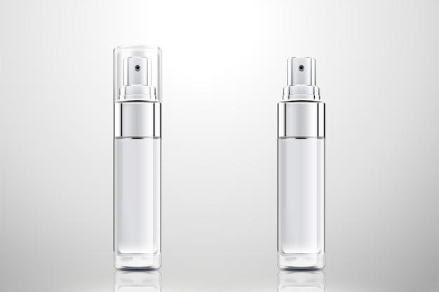 Cosmetische sprayflessen ingesteld op lichtgrijze achtergrond