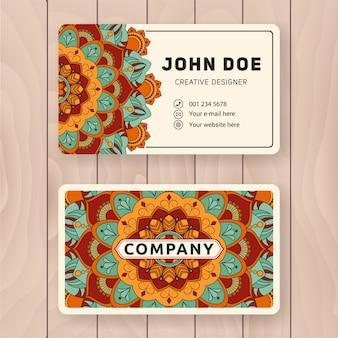 Creatief bruikbaar bedrijfskaart ontwerp. uitstekend gekleurd mandala ontwerp voor persoonlijke naamkaart, visitekaartje of label.