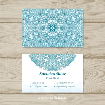 Creatief elegant visitekaartje in mandalastijl