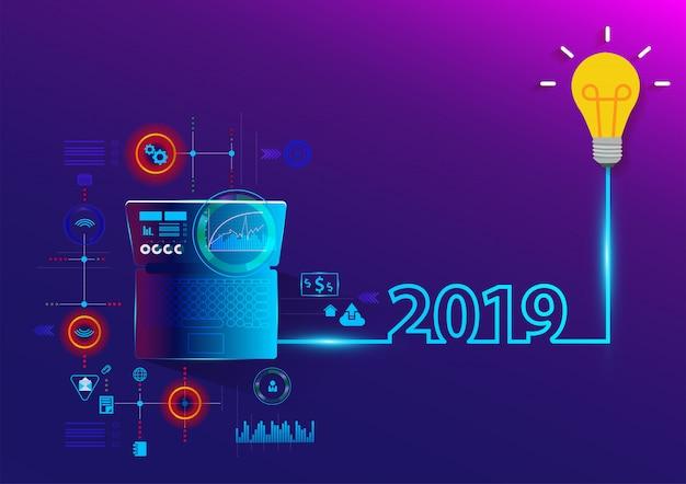 Creatief gloeilampenidee 2019 nieuw jaar met laptop computer