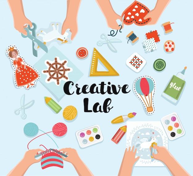 Creatief kinderlab, bovenaanzichttafel met creatieve kinderhanden. snijden van papier, schilderen en schetsen, breien, borduren
