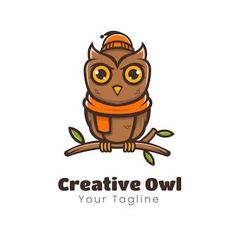 Creatief uil-mascotte-logo-ontwerp