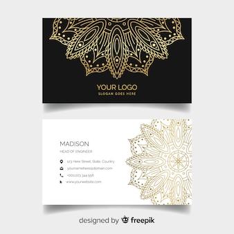 Creatief visitekaartje met mandalaontwerp
