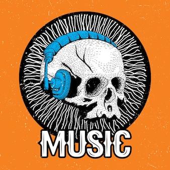 Creatieve muziekaffiche met grappige schedel in hoofdtelefoons op de oranje illustratie