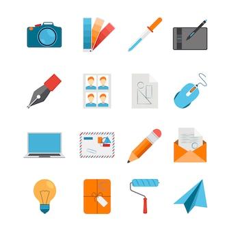 Creatieve ontwerp pictogrammen flat set met camera muis digitizer laptop