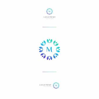 Custom letter (m) monogram en natuur