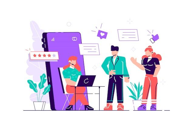 Customer support manager, online consultant, callcenterspecialist met koptelefoon achter de computer, vijf sterren en een groep klanten in de rij.