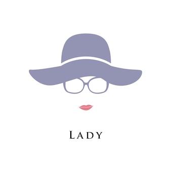 Dame in hoed en bril