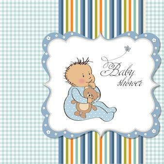 De aankondigingskaart van de baby met kleine jongen