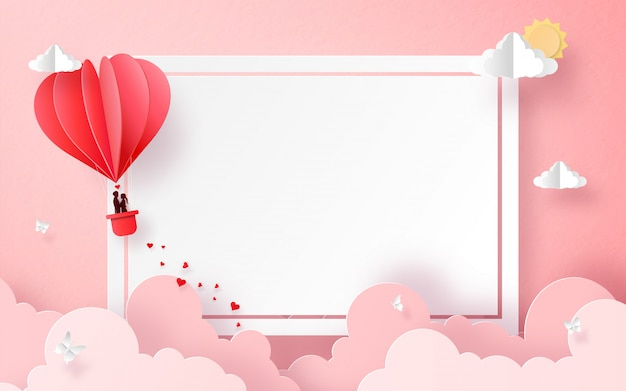 De ballon van de hartvorm op de hemel met copyspace