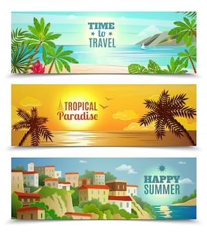 De banners van de de zomervakantie die met tropische bezinning van het strandzonsondergang oceaanwater worden geplaatst