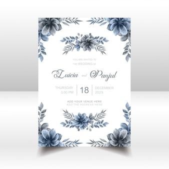 De elegante blauwe kaart van de huwelijksuitnodiging met waterverf bloemenkader