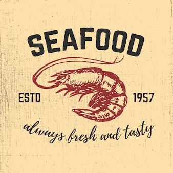 De garnalen overhandigen getrokken illustratie op grungeachtergrond. zeevruchten. elementen voor menu, poster, embleem, teken.
