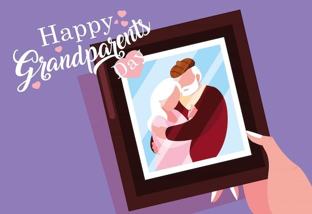De gelukkige affiche van de grootoudersdag met foto van oud paar