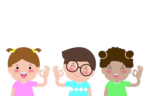 De gelukkige jonge geitjesjongen en het meisje tonen hand ok teken dat op witte illustratie wordt geïsoleerd