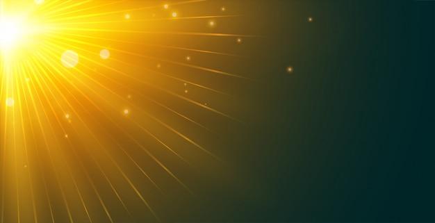 De gloeiende achtergrond van zonnestralen van linkerbovenhoek