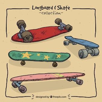 De hand getekend gekleurde skateboards