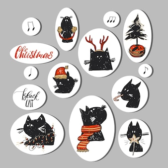 De hand getrokken abstracte inzameling van kerstmisstickers plaatste met grappige krabbelkatkarakters in rode kerstmiskleding en kerstboom in pot op wit. gelukkig nieuwjaarconcept.