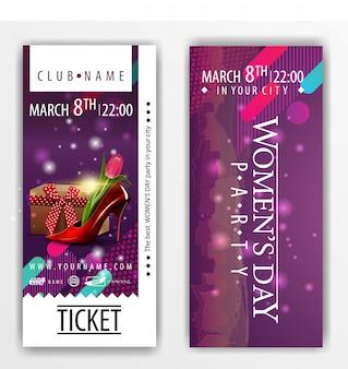 De kaartjes voor het feest op vrouwendag met damesschoen