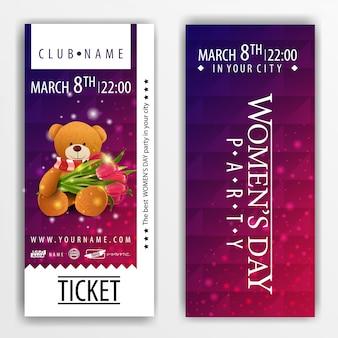 De kaartjes voor het feest op vrouwendag met teddybeer