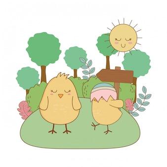 De karakters van weinig kuikenspasen in tuinscène