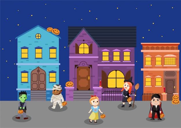 De kinderen dragen een halloween-kostuum