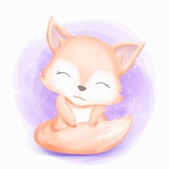 De leuke babyvos zit en glimlacht