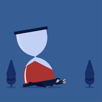 De mens sloeg grote zandtijdmetafoor van deadline en uit tijd. zakelijke platte concept illustratie.