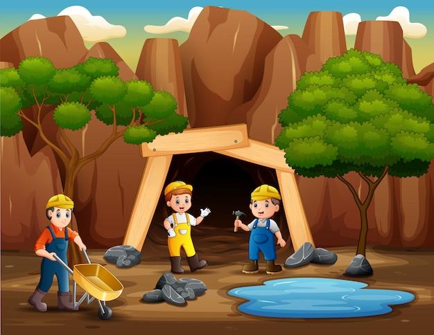 De mijnwerkers werken buiten de mijn
