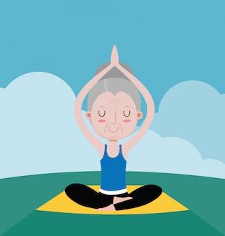 De oude vrouwenoefening met yoga ontspant
