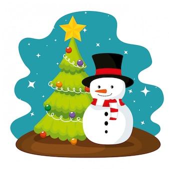De pijnboomboom en sneeuwman van kerstmis met hoed