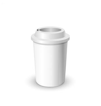 De realistische mock van de koffiekop omhoog geïsoleerd