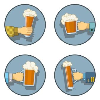 De reeks van bierpictogrammen van 4 op witte backgrownd wordt geïsoleerd die. set van 4 iconen over bier, bar en drinken