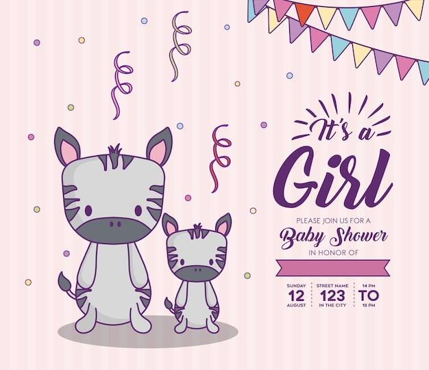 De uitnodiging van de babydouche met zijn een meisjesconcept met leuke zebras over purpere achtergrond, kleurrijke des