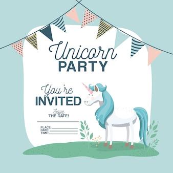 De uitnodigingskaart van de eenhoornpartij met bloemendecoratie en slingers
