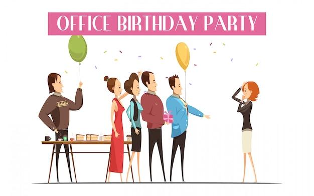 De verjaardagspartij in bureau met blije mensen koek en drinkt gift