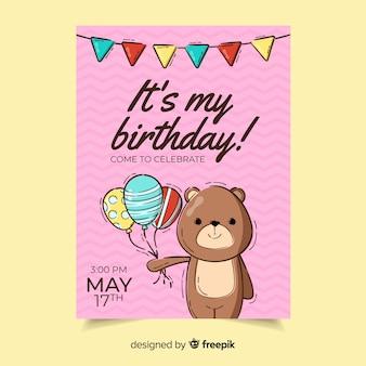 De verjaardagsuitnodiging van kinderen met slinger