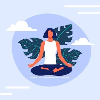 De vrouw zit lotus-positie op achtergrondwolken.