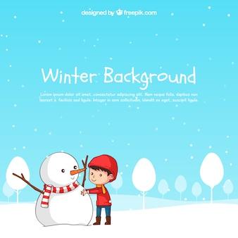 De winterachtergrond met een jongen die een sneeuwman maakt