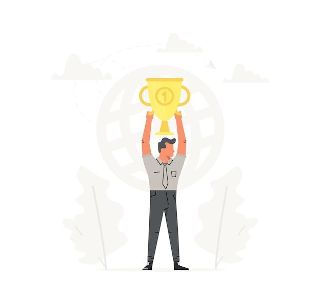 De zakenman houdt de grote gouden trofee lucht.