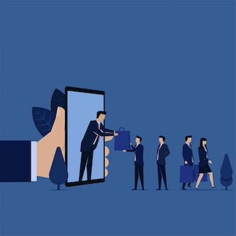 De zakenman krijgt zakwinkel op telefoonmetafoor van online het winkelen.