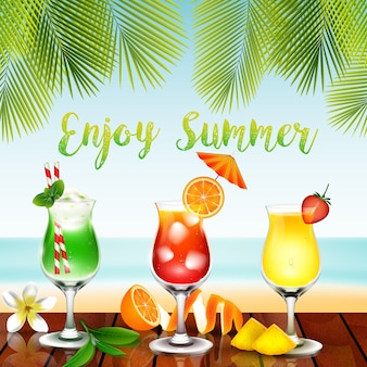 De zomerdranken op de lijst op strandachtergrond