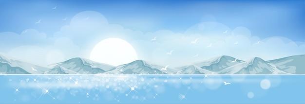 De zomerstrand met het glanzende fonkelen van de zon op blauwe oceaan in eiland.