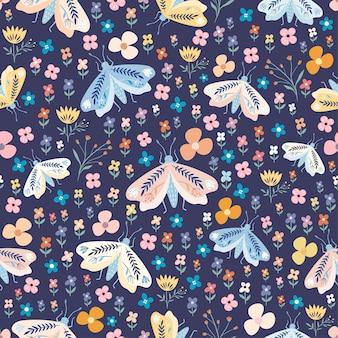 Decoratief naadloze bloemmotief met kleurrijke motten en bloemen