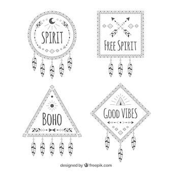 Decoratieve boho badges met dreamcatcher-vormig